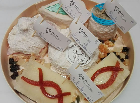 """plateau fromage brebis chèvre """"place aux fromages"""" fromagerie Langon Gironde"""
