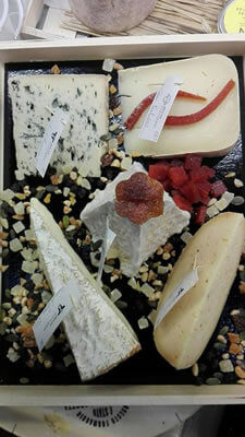 "plateau fromages 9 personnes""Place aux fromages"" Langon Gironde"